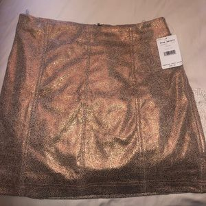 Free people gold shimmer skirt never worn NWT